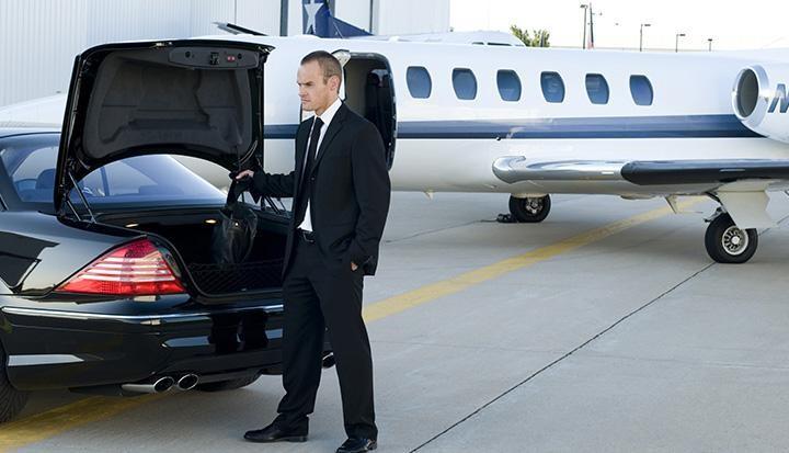 airport limo toronto Black